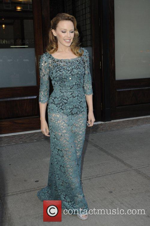 kylie minogue seen heading to holy motors 5931436