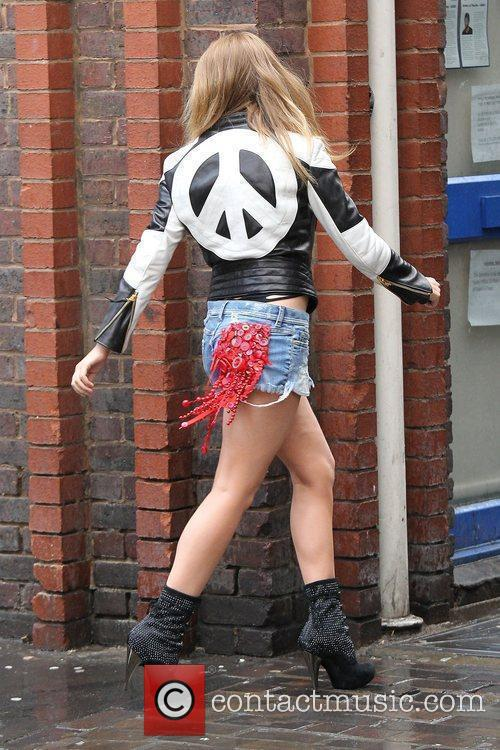 kylie minogue shooting a new music video 3835245