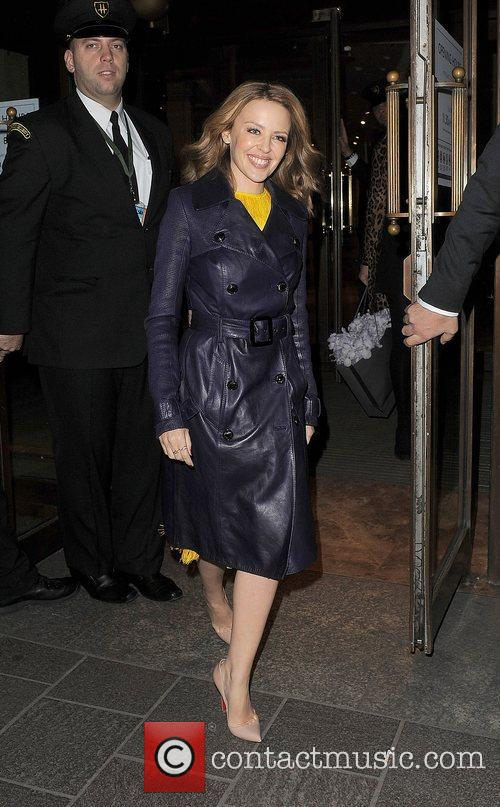 kylie minogue leaving harrods just after 11pm 4187473