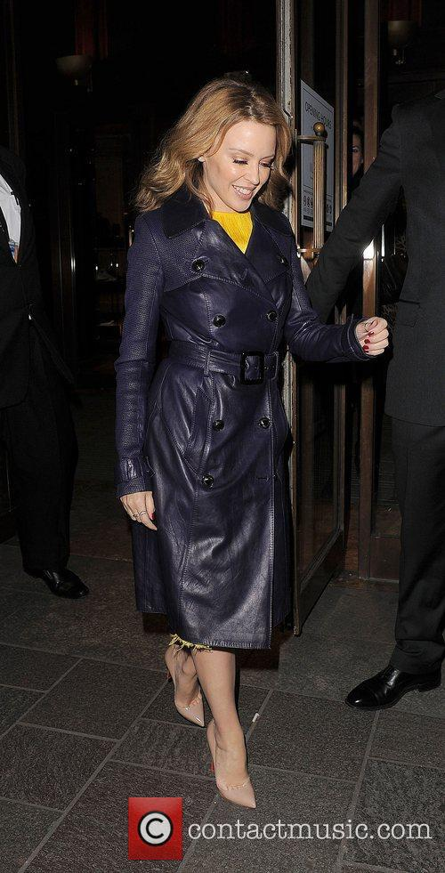 kylie minogue leaving harrods just after 11pm 4187479