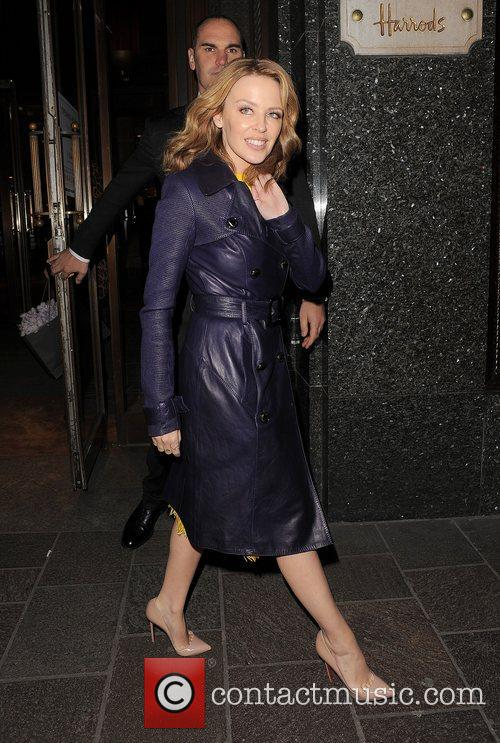 kylie minogue leaving harrods just after 11pm 4187481