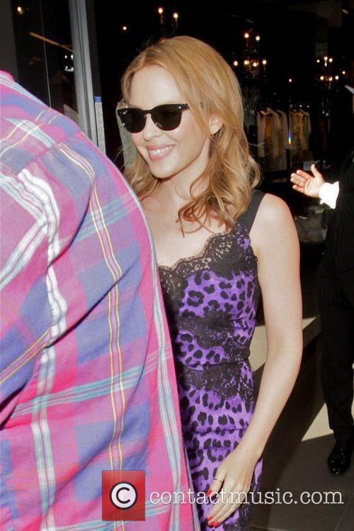 kylie minogue exits dolce amp gabbana on 5867594