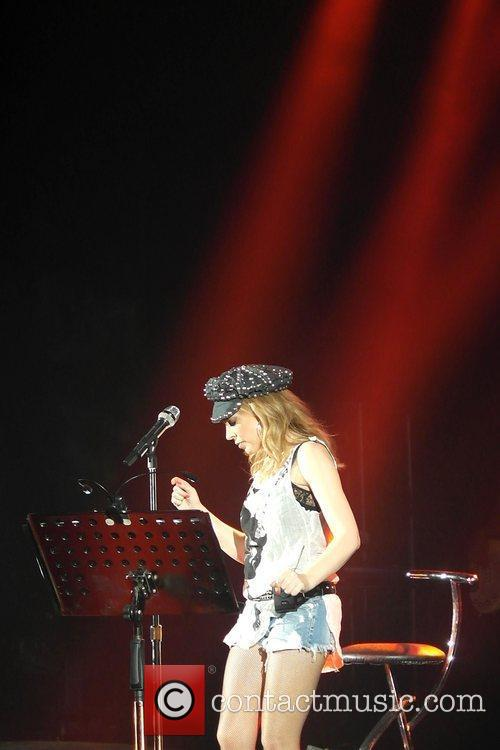 Kylie Minogue and Hammersmith Apollo 4