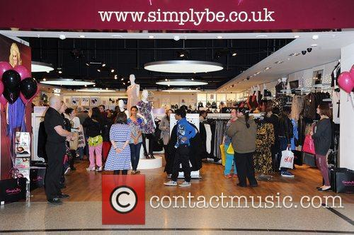 Opens Simply Be's Flagship store in the Arndale...