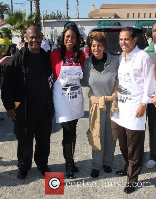Jackson, Mayor Antonio Villaraigosa, Omarosa Manigault and Marla Gibbs