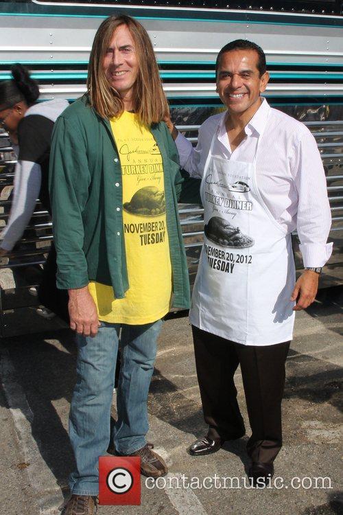 James Mitchell and Mayor Antonio Villaraigosa 2