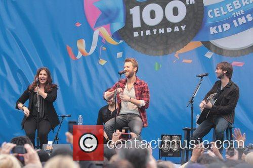 Dave Haywood, Charles Kelley and Hillary Scott 2