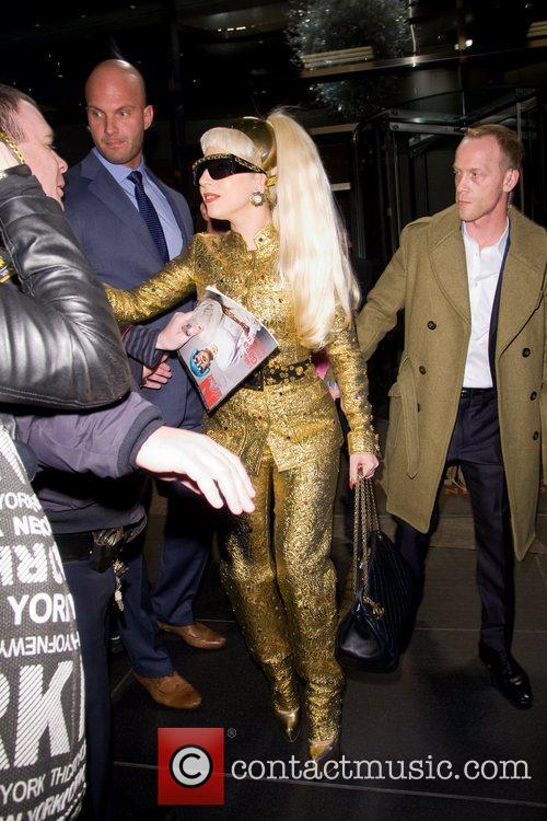 Lady Gaga and Manhattan Hotel 6