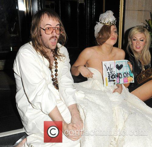 Lady Gaga, John Lennon and Steps 9