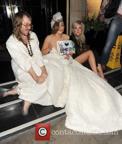Lady GaGa, John Lennon and Steps 18