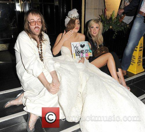 Lady Gaga, John Lennon and Steps 4