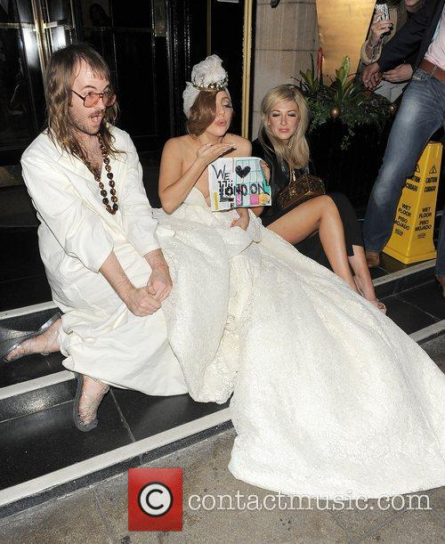 Lady Gaga, John Lennon and Steps 6