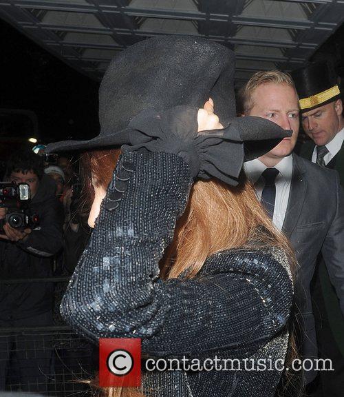 Lady Gaga, The Ecuadorian Embassy, Wikileak and Julian Assange. Gaga 5