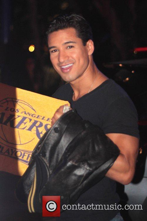 Mario Lopez and Staples Centre 3