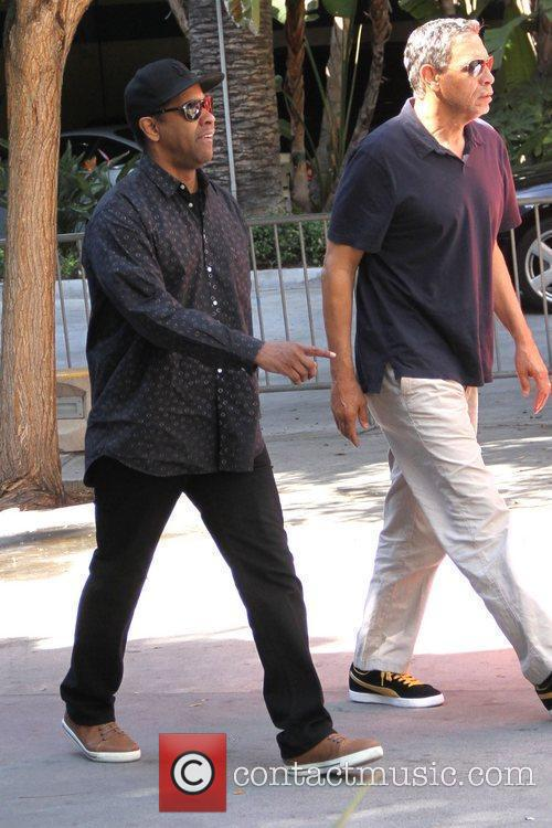 denzel washington celebrities are seen arriving the 5804522