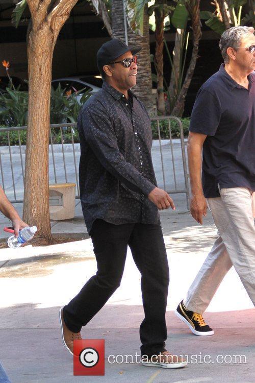 Denzel Washington and Staples Center 15