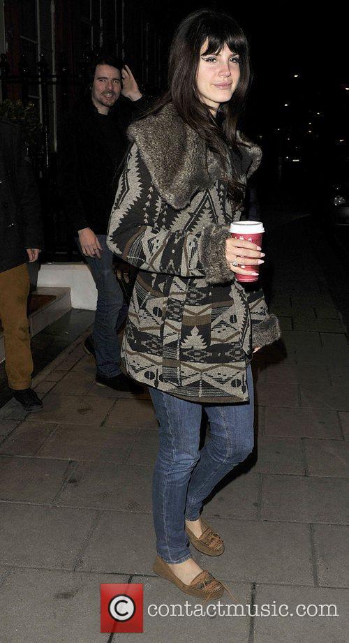 lana del rey outside her hotel london 4174119