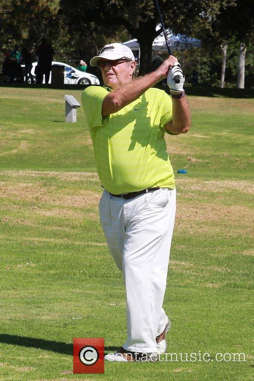 jack nicholson celebrity golf tournament to benefit 4125565
