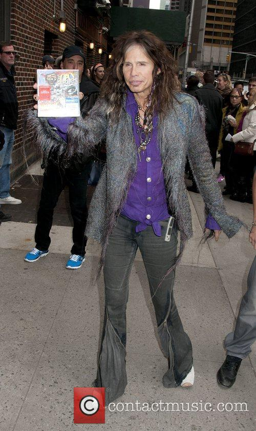 steven tyler arrives at the late show 4156054