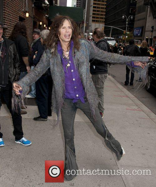 steven tyler arrives at the late show 4156055