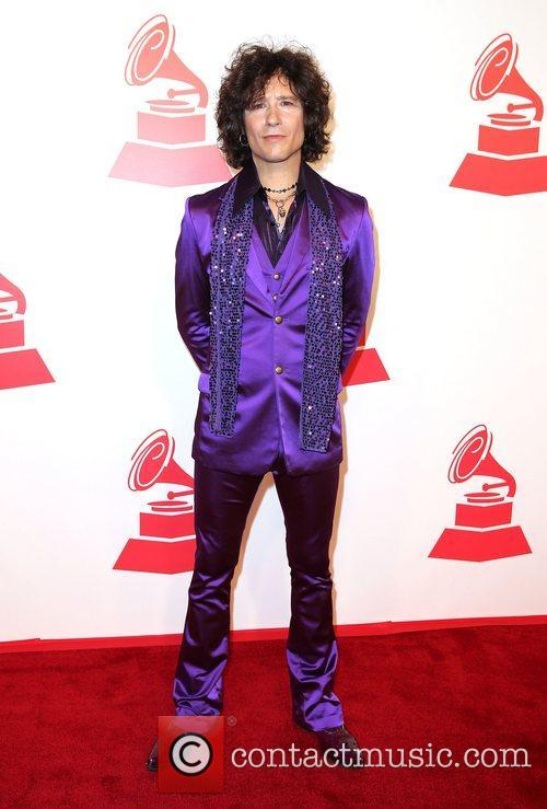 Enrique Bunbury attends the XIII Annual Latin Grammy...