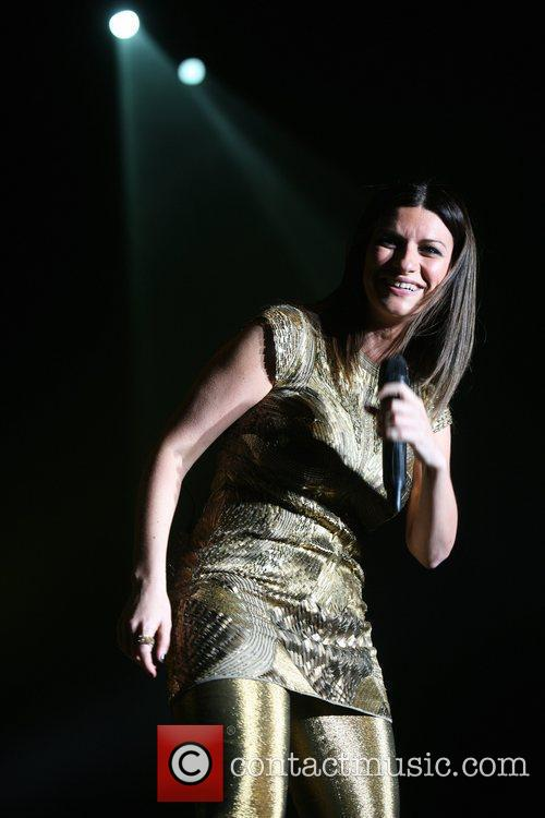 laura pausini performing live in concert at 3895592