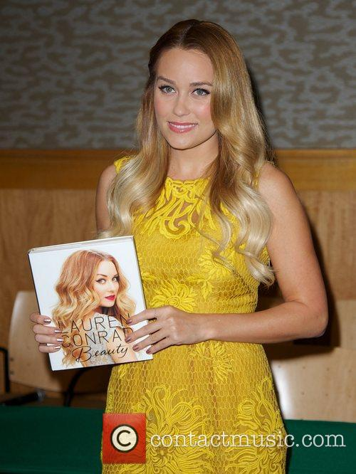 Promotes her book 'Starstruck' at Barnes & Noble
