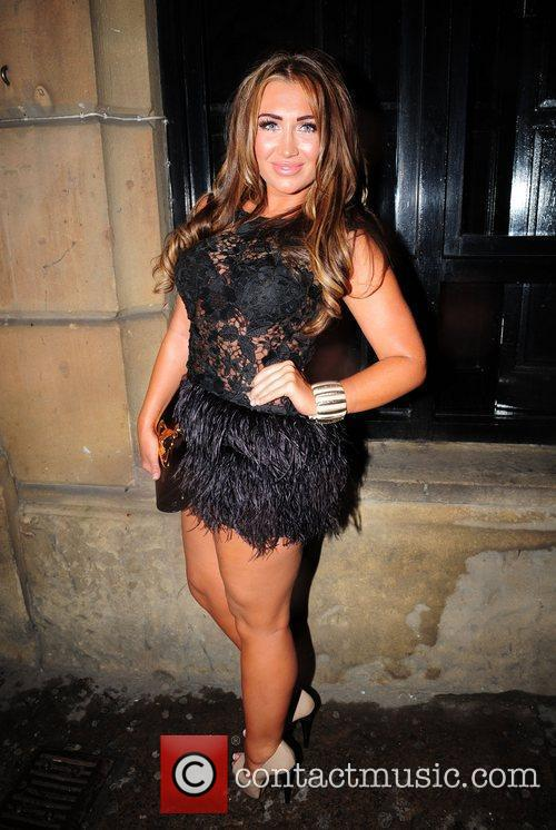 lauren goodger after visiting various bars in 3960475