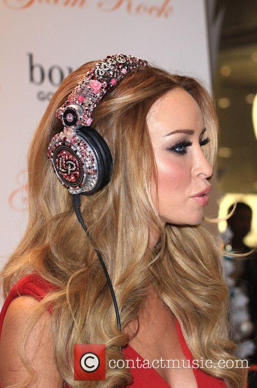 Lauren Pope promotes US watch brand Glam Rock's...