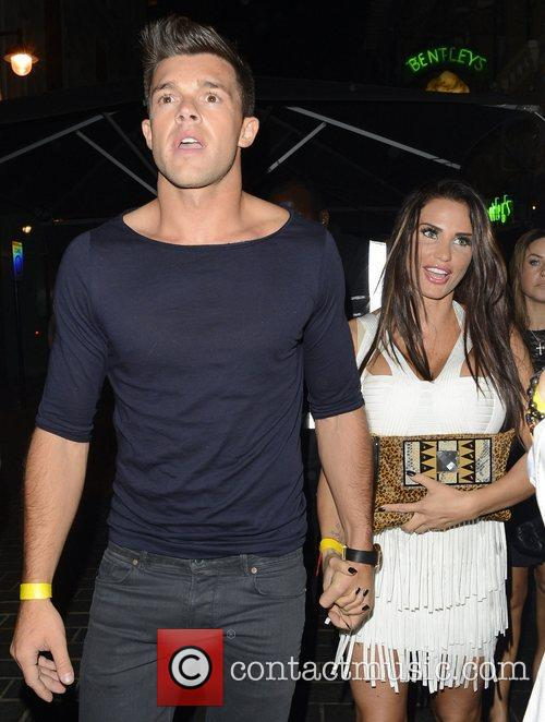 Katie Price, Jordan and Leandro Penna 7