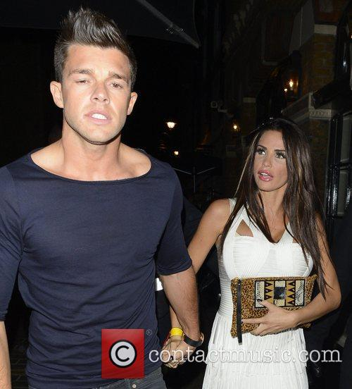 Katie Price, Jordan and Leandro Penna 5