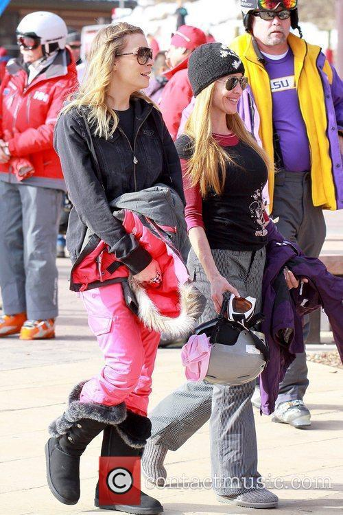 leann rimes wearing ski pants and warm 5773406