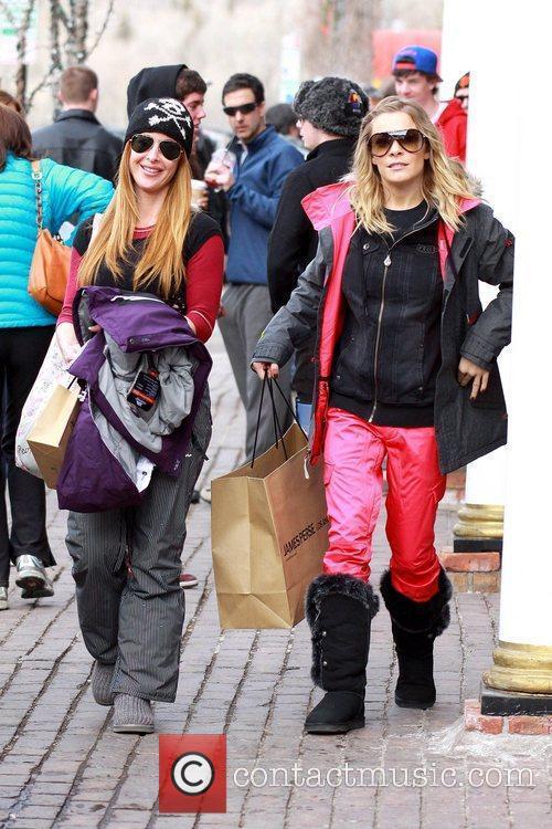 leann rimes wearing ski pants and warm 5773416