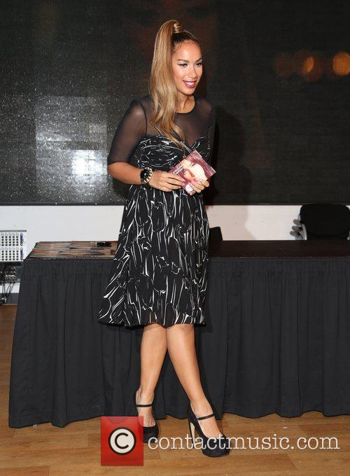 Leona Lewis, Glassheart, Oxford Street and Hmv Oxford Street 6