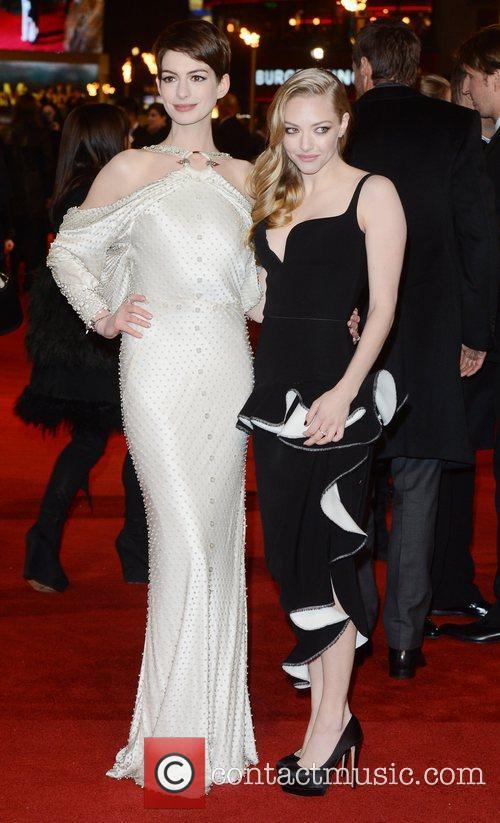 Anne Hathaway and Amanda Seyfried