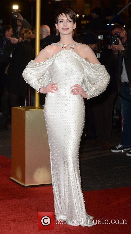 Anne Hathaway, Les Miserable, Odeon, Leicester Square, London and England 11
