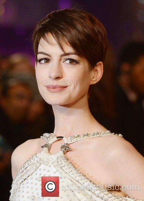 Anne Hathaway, Les Miserable, Odeon, Leicester Square, London and England 6
