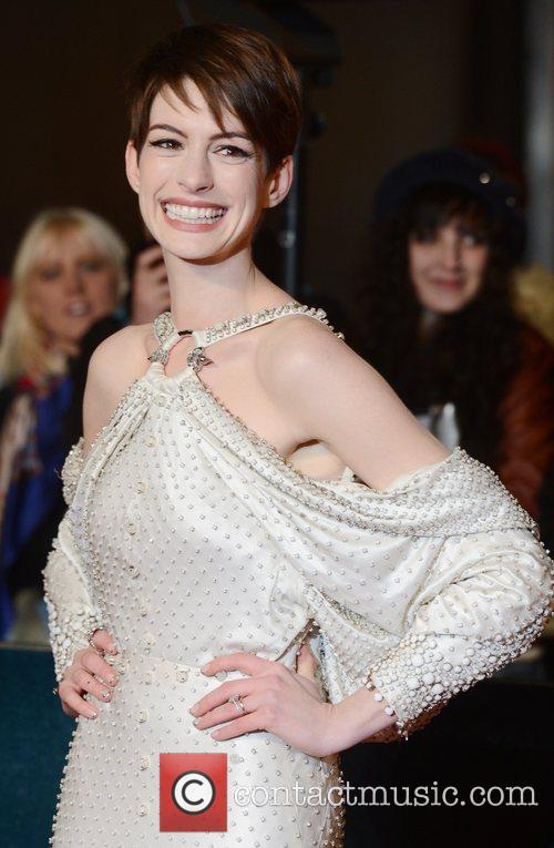 Anne Hathaway, Les Miserable, Odeon, Leicester Square, London and England 15