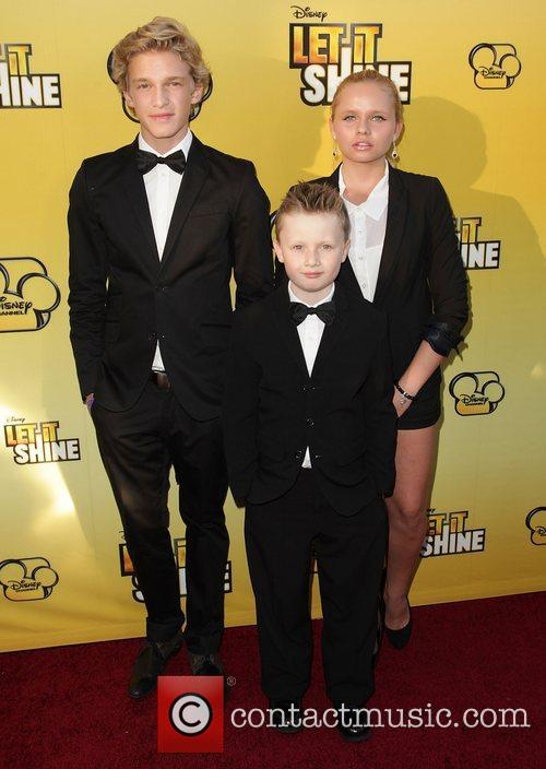 Cody Simpson, brother Tom Simpson and sister Alli...