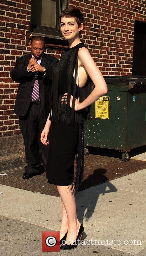 anne hathaway the late show with david 5877264