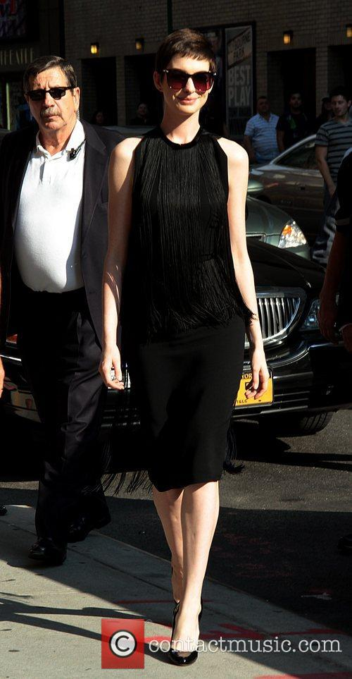 anne hathaway the late show with david 5877274