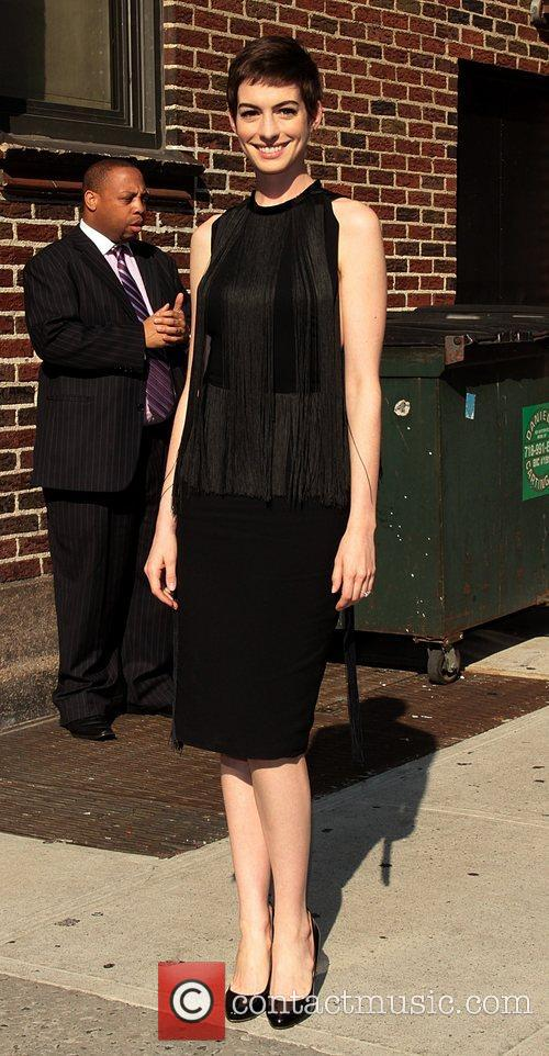 anne hathaway the late show with david 5877279