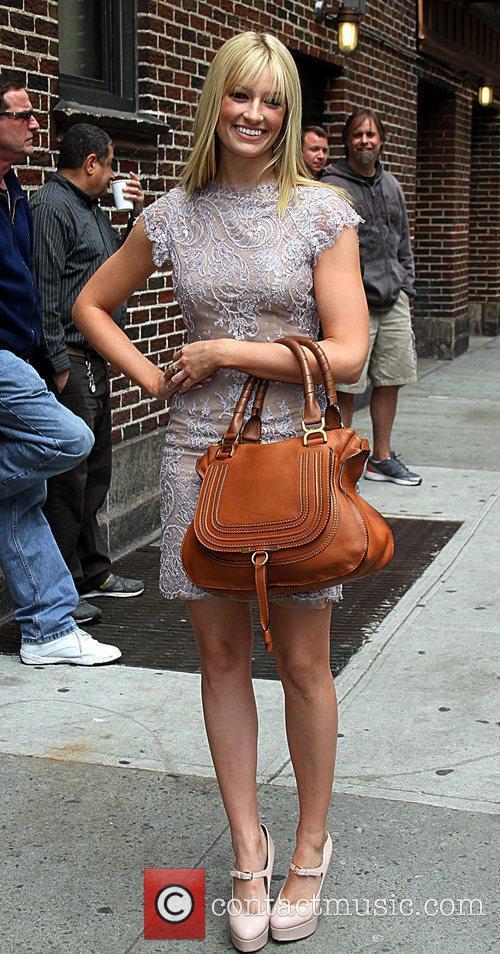 '2 Broke Girls' actress Beth Behrs  Celebrities...