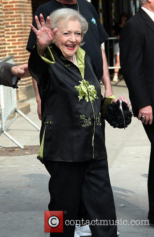 betty white arrives at the ed sullivan 5843265