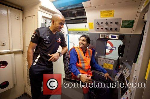 Lewis Hamilton gets a lesson in tube driving...