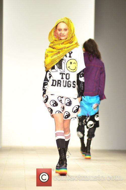 Model, Jodie Harsh and London Fashion Week 4