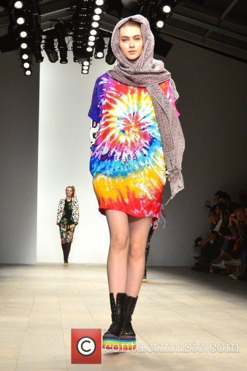 Model, Jodie Harsh and London Fashion Week 6