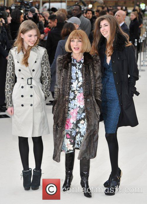 Anna Wintour and guests London Fashion Week -...