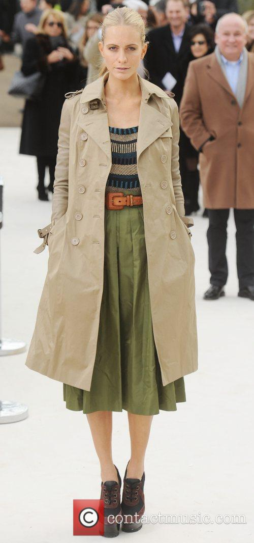 Poppy Delevigne - London Fashion Week - Autumn/Winter...