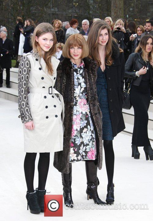 Anna Wintour, Ellie Wintour London Fashion Week -...